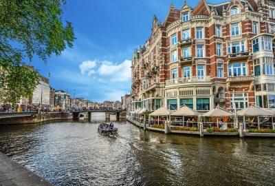 Amsterdam riverside bars